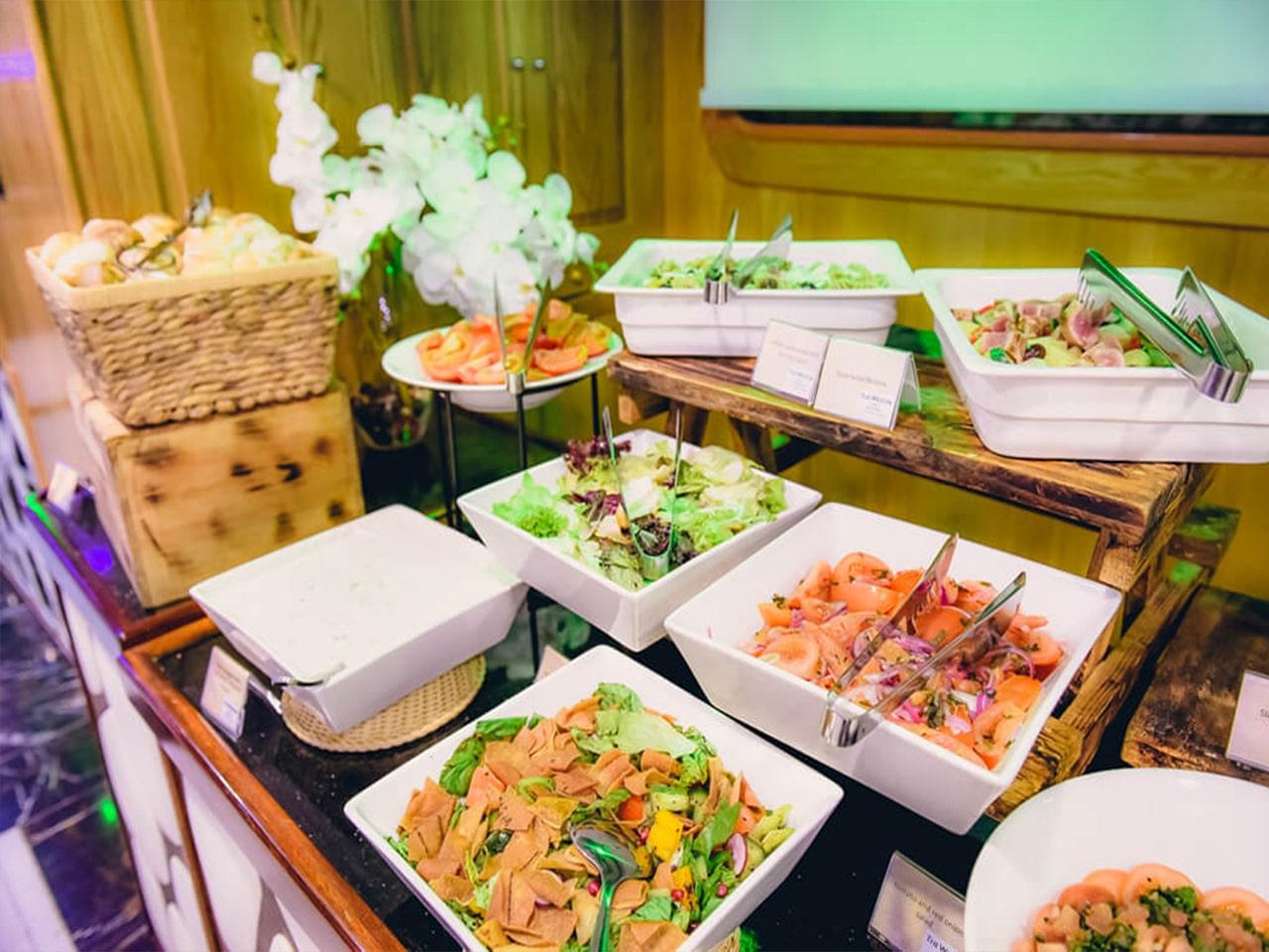 Lotus-Mega-Yacht-Cruise-Dinner-Dubai-Galery-6