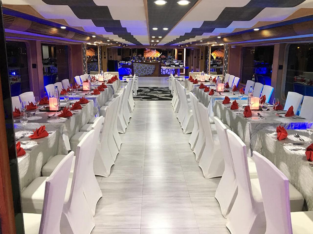 Lotus-Mega-Yacht-Cruise-Dinner-Dubai-Galery-7