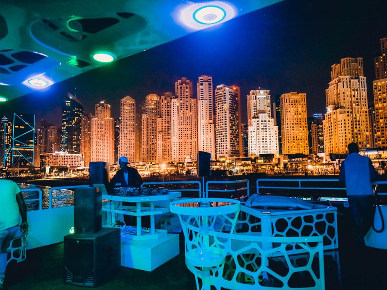 Lotus-Mega-Yacht-Cruise-Dinner-Dubai-galery-4